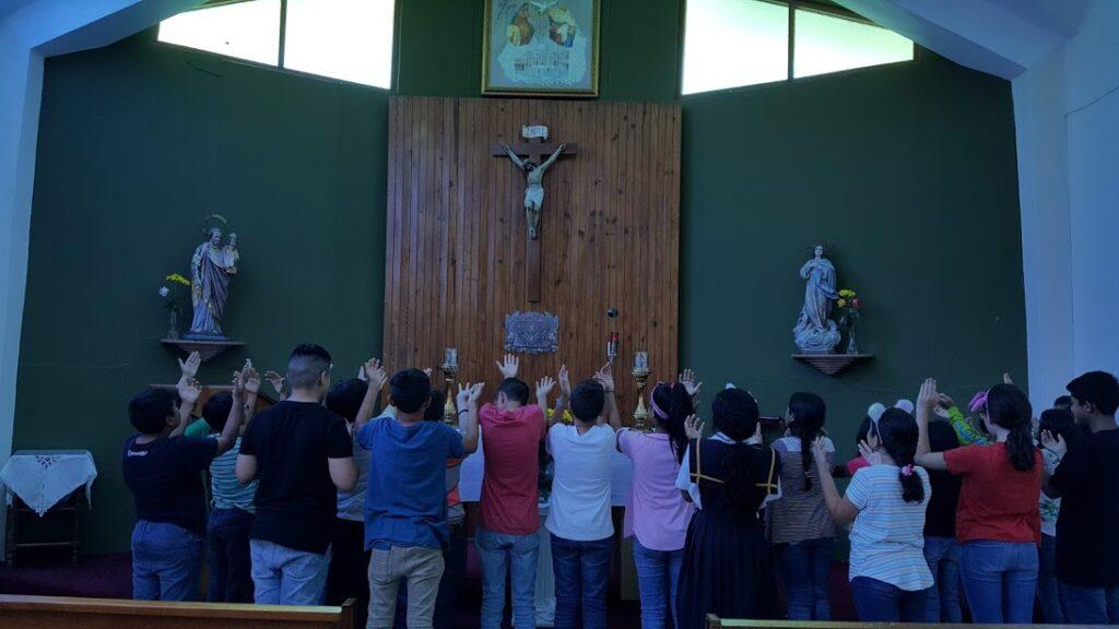 estudiantes-capilla
